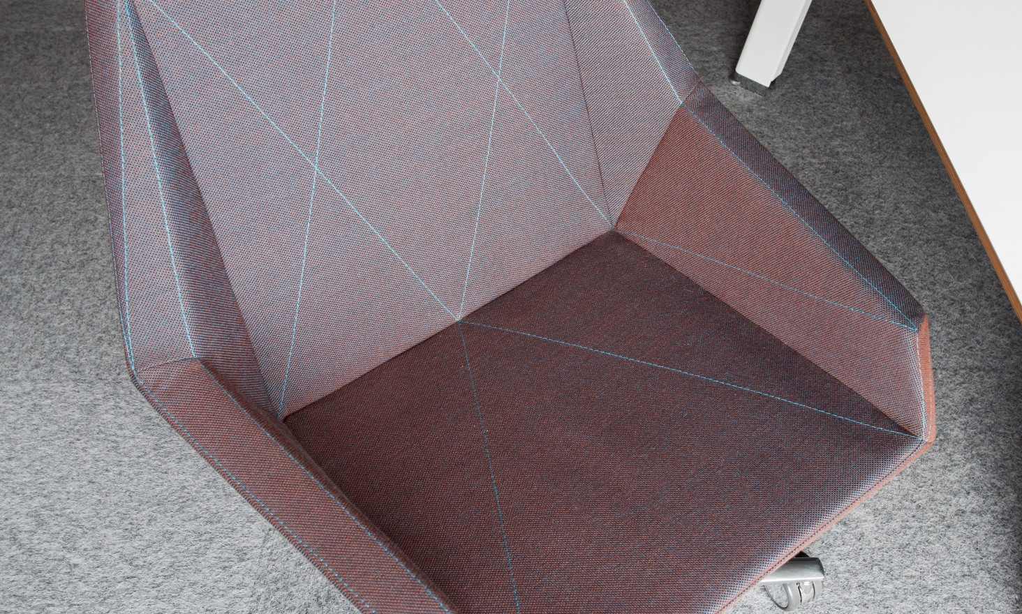 PRISM_chair_four_legs_base_ambient_2